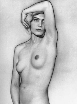 Desnudo - Man Ray