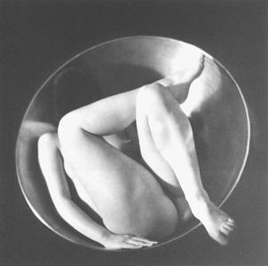En el círculo - Ruth Bermhard