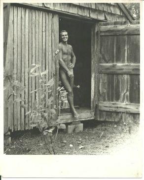 Tennessee Williams taken by George Platt Lynes in 1944