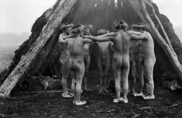 Gusinde-men-dance.jpg