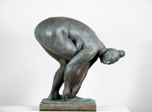 crouching-woman-jrfa-9105-_2.jpg