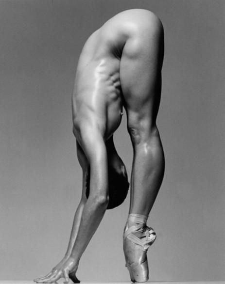 Sylvie Guillem 001 by Richard Avedon 1991.jpg