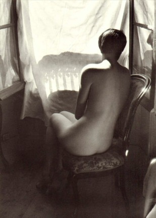 006 - Willy Ronis - Desnudo.jpg