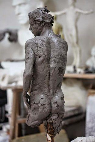 d1c6889a4e0cece85f16e2ed997f433f--contemporary-sculpture-clay-sculptures