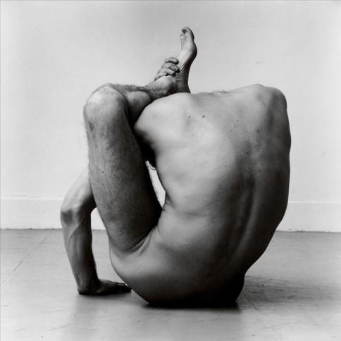 gary-contortion-1979-imagen-exposicion-sobre-fotografo-peter-hujar-fundacion-mapfre-1485351157673.jpg