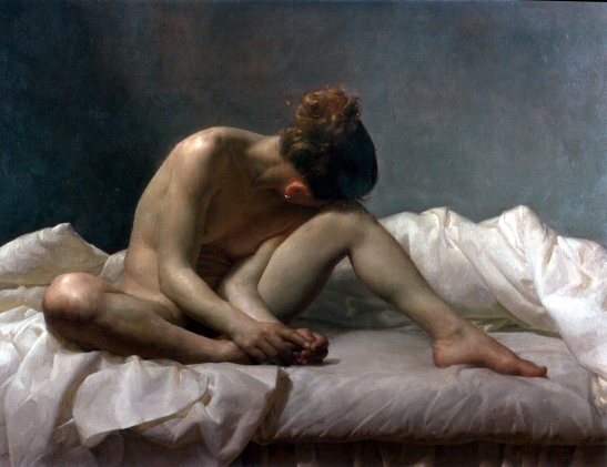 Mujer desnuda sentada sobre la cama.png
