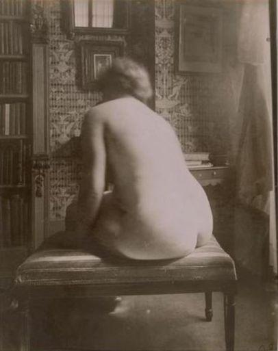 desnudo en interior 1921.jpg
