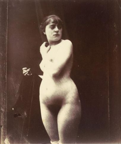 estudio de fotografia de un desnudo.jpg